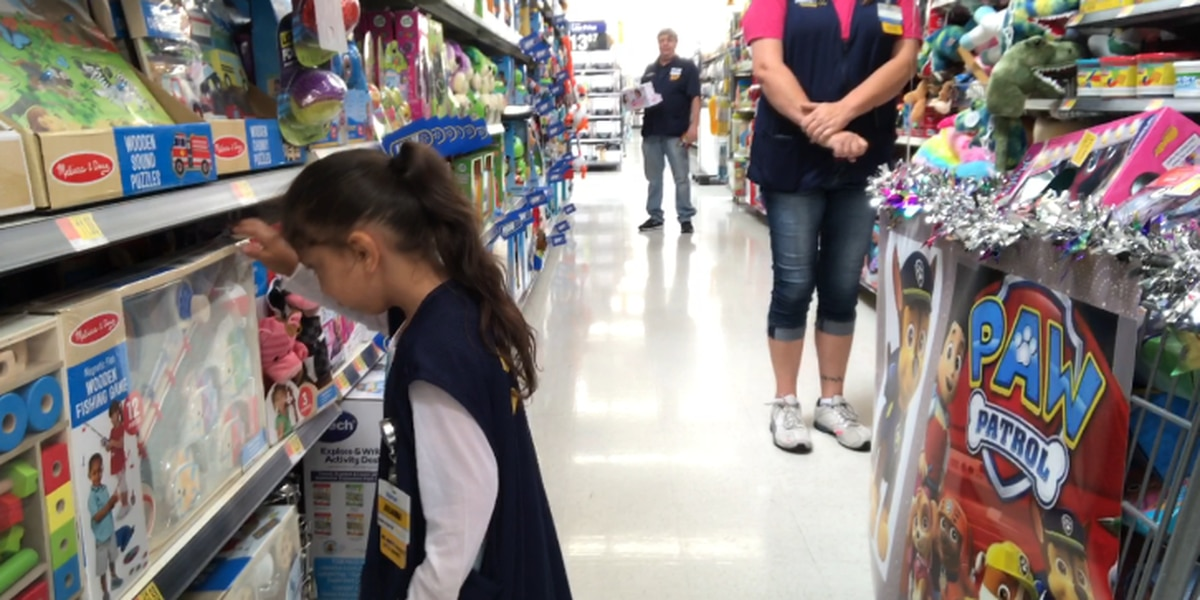 'This is her day': Walmart rolls out red carpet for Mineola girl's Make-A-Wish shopping spree