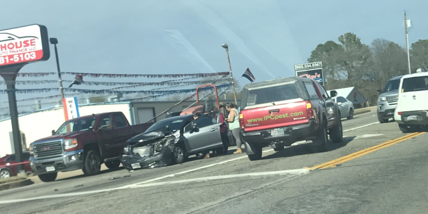 Southbound lanes partially blocked on Highway 155 in Tyler due to wreck