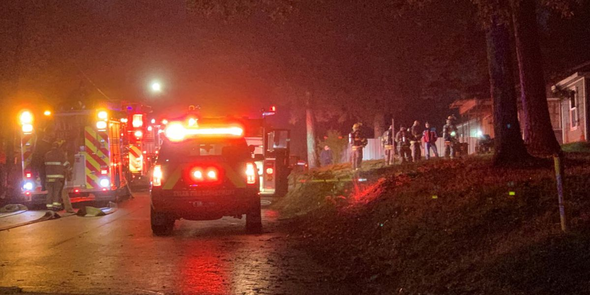 Tyler fire crews extinguish early morning house fire