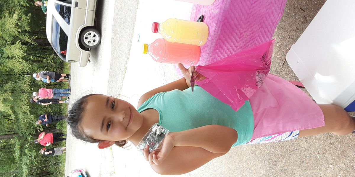 Tyler girl selling lemonade to buy school supplies sees big turnout