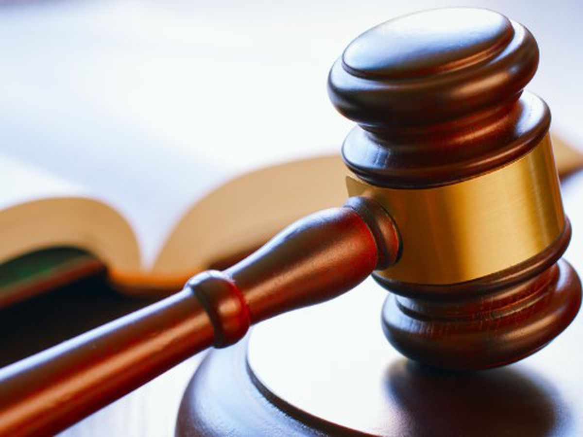 US judge temporarily blocks Mississippi 6-week abortion ban