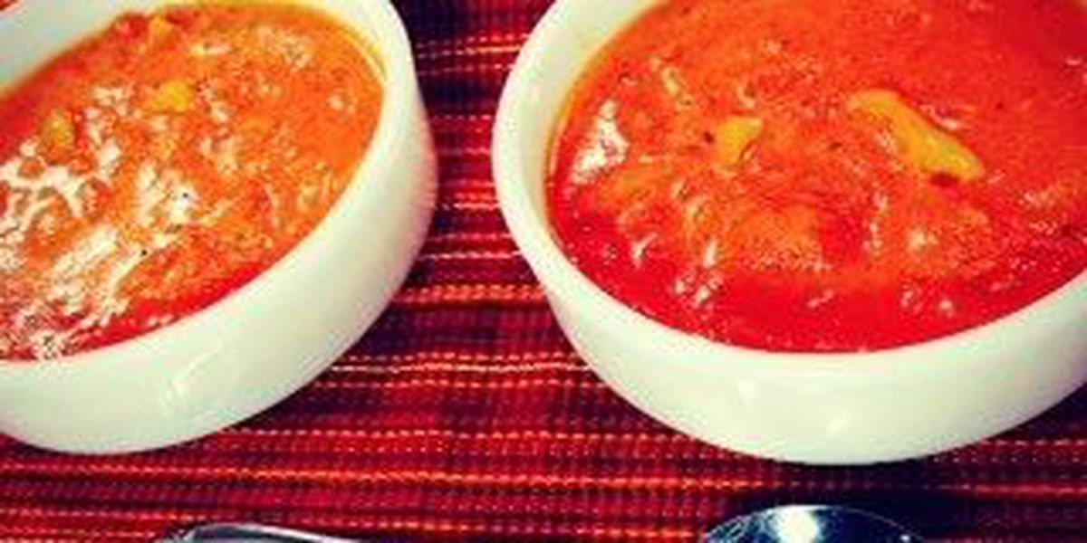 Chunky red pepper-tomato soup
