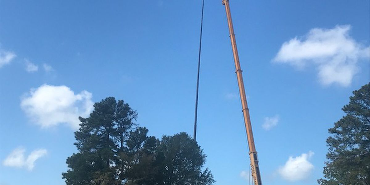 East Texas golf course boasts state's third tallest flagpole
