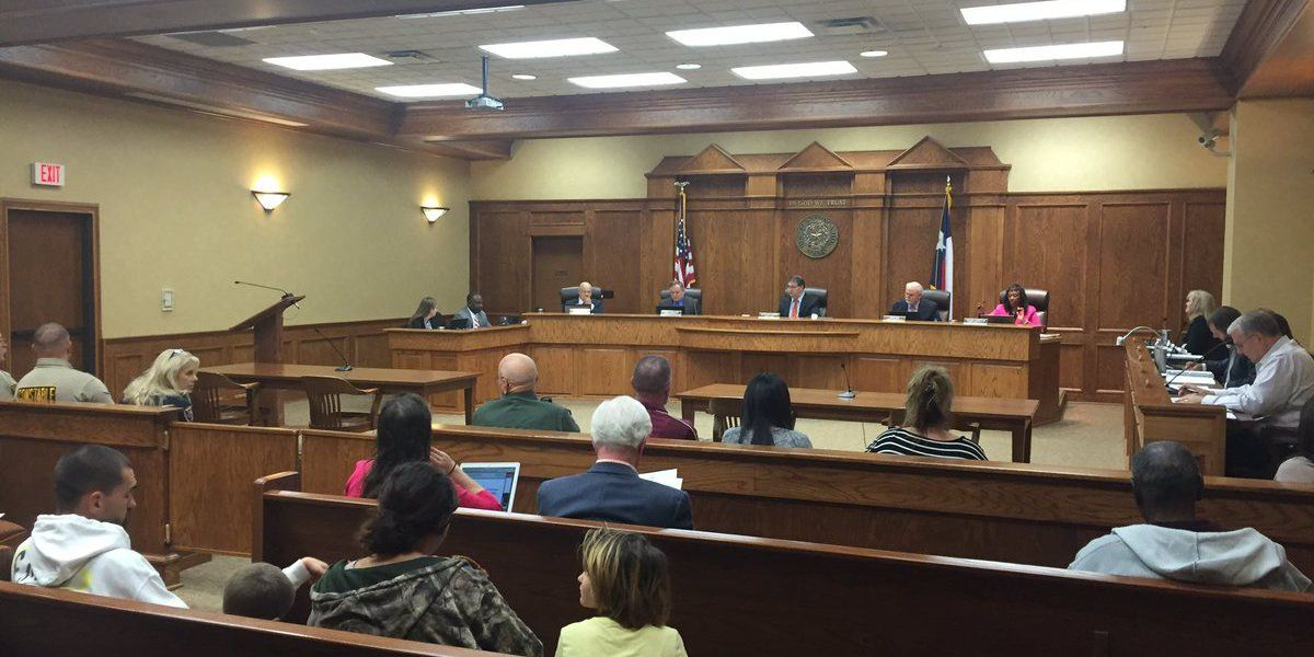 Smith County commissioners accept judge's formal resignation