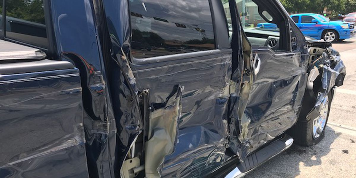 Webxtra: Three-vehicle wreck involves garbage truck in Longview