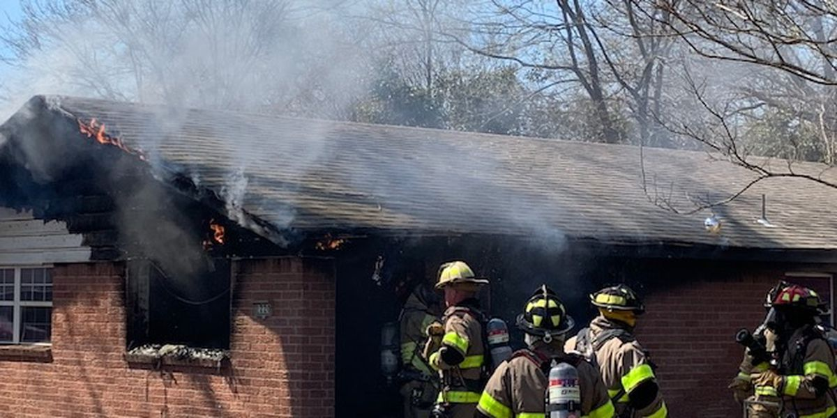 Duplex fire displaces Sulphur Springs resident, injures firefighter