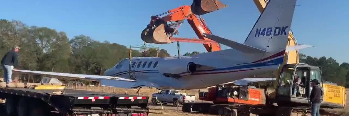 WATCH: Crews move plane that crashed in Angelina County Wednesday