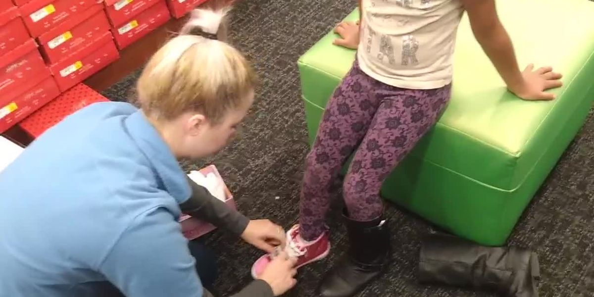 WEBXTRA: Chapel Hill ISD kicks off Shoes for Kids event