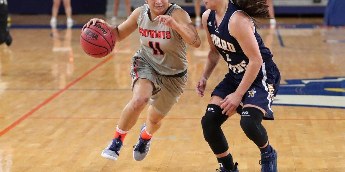 Obach records double-double, May passes 200 career three pointers