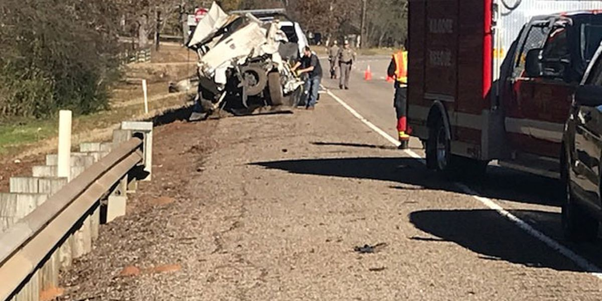 Henderson man killed in 1-vehicle wreck in Rusk County