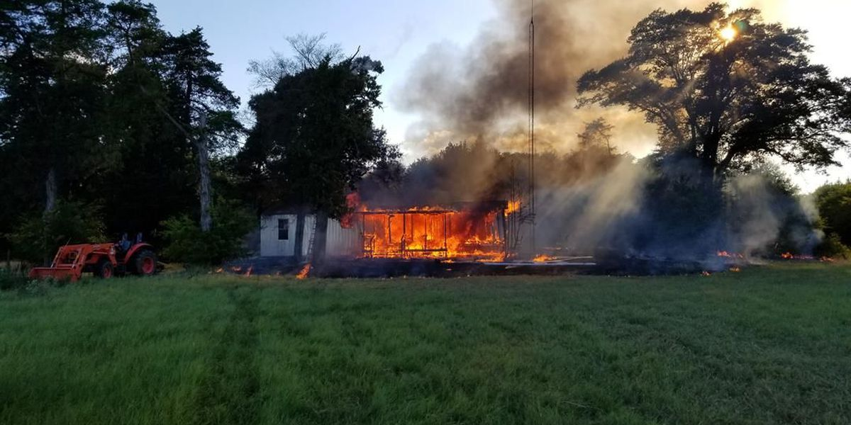 Mobile home destroyed in Hopkins County fire Monday evening