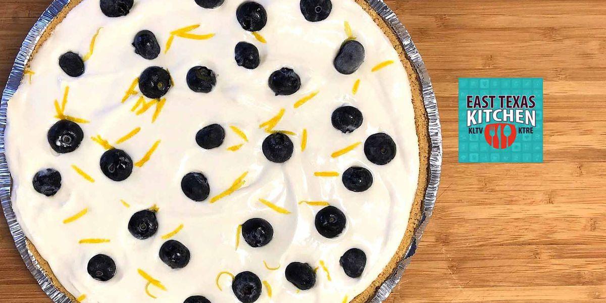 Frozen blueberry-lemonade pie by Mama Steph