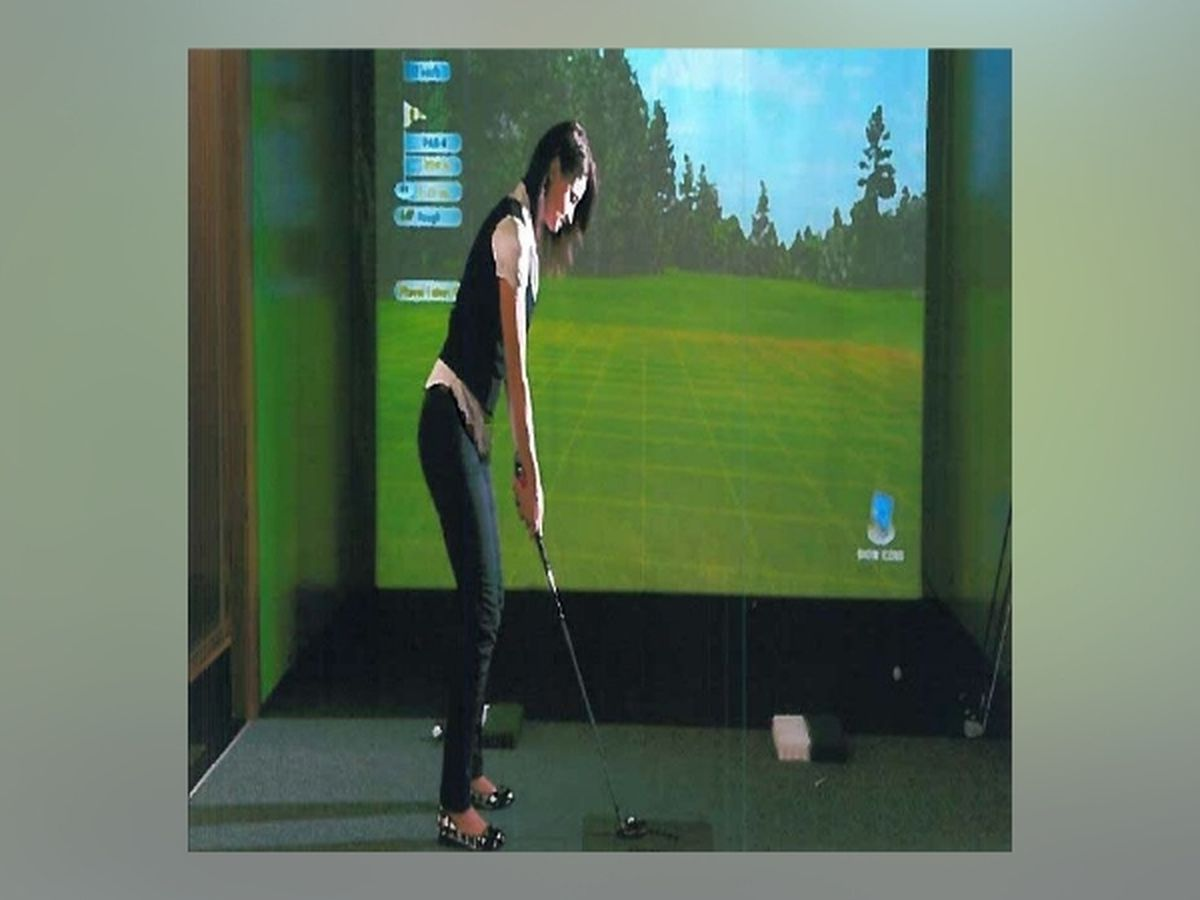 New indoor golf center holds preview day in Longview