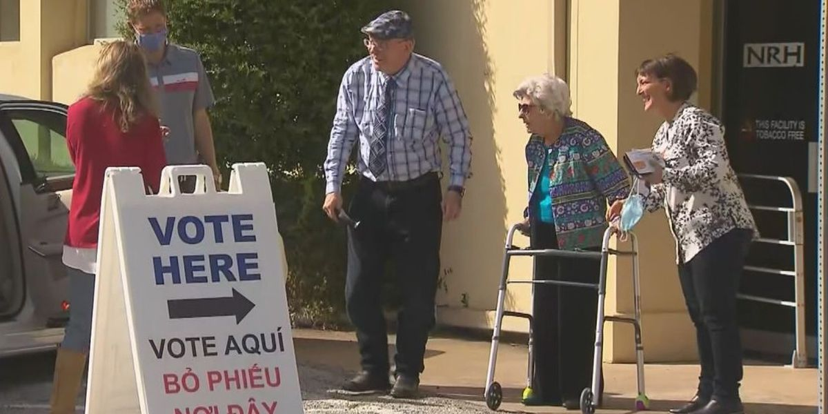 109-year-old fmr. Tyler resident casts ballot in person