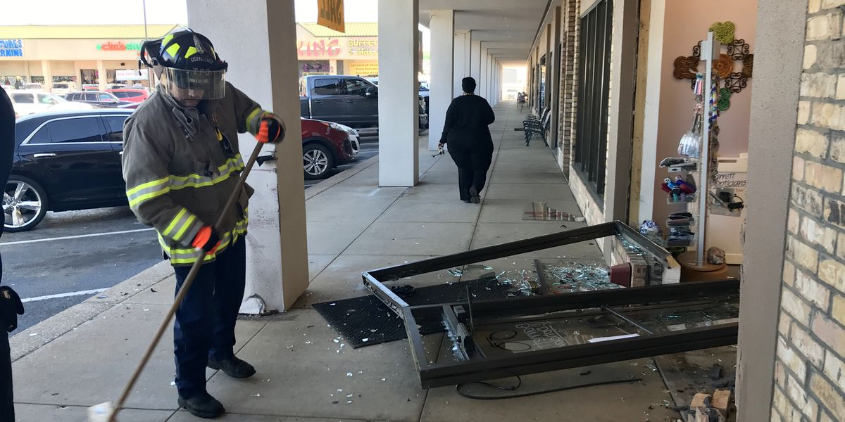 Car crashes into business on South Broadway in Tyler