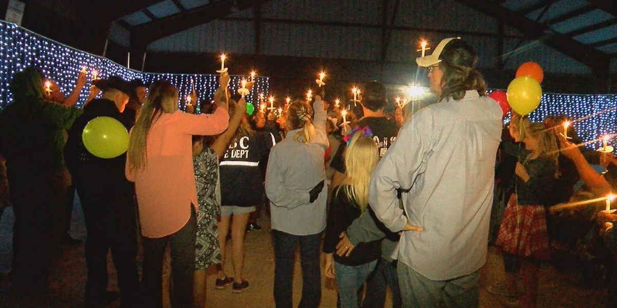 Community honors ETX girls fatally shot in Mabank home