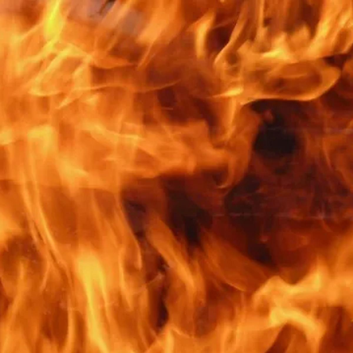 Crews on scene of structure fire on Duckenfield Avenue in Tyler