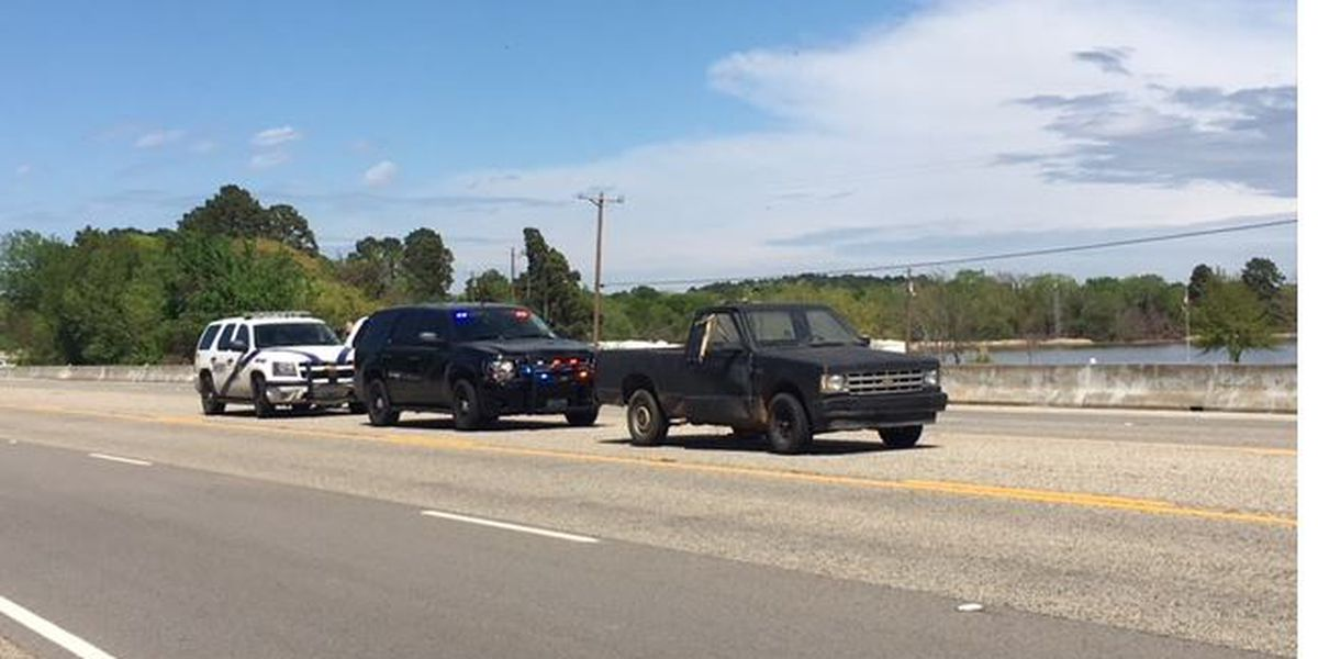 Smith County Sheriff's Office: Man in custody after brief chase on Highway 155
