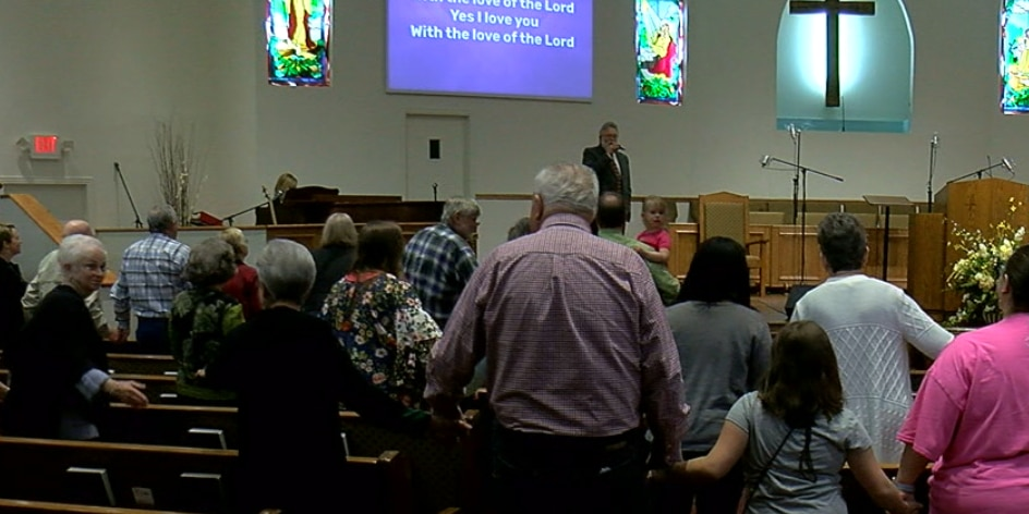 Kilgore church host service despite storm damage
