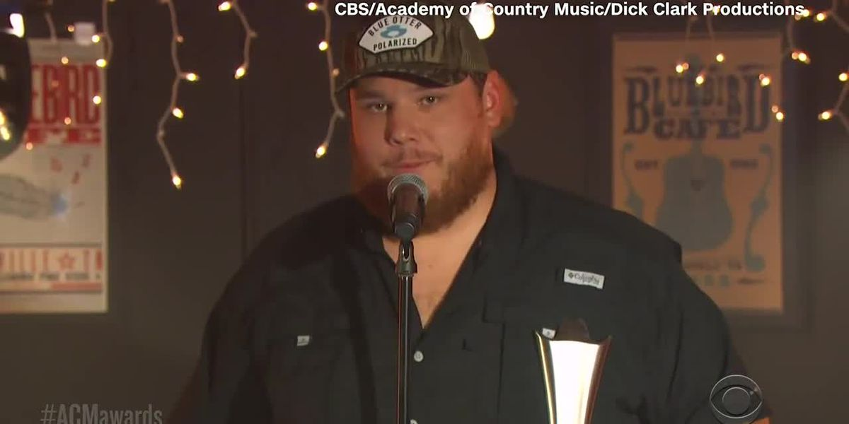 Luke Combs wins ACM male artist of the year
