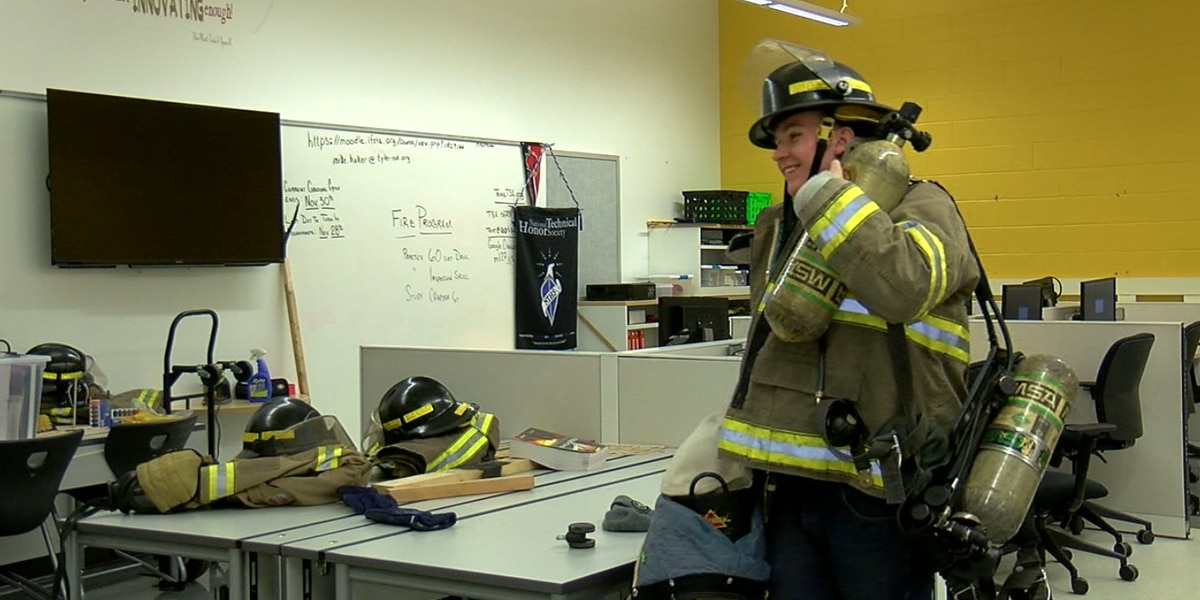 Tyler ISD students get hands-on firefighter training