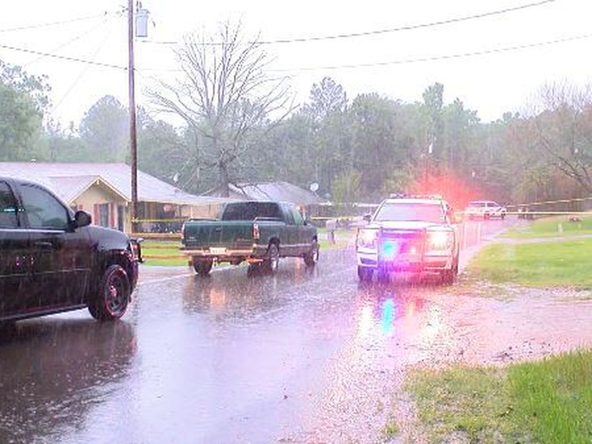 Smith County authorities search for 2 suspects after shooting report