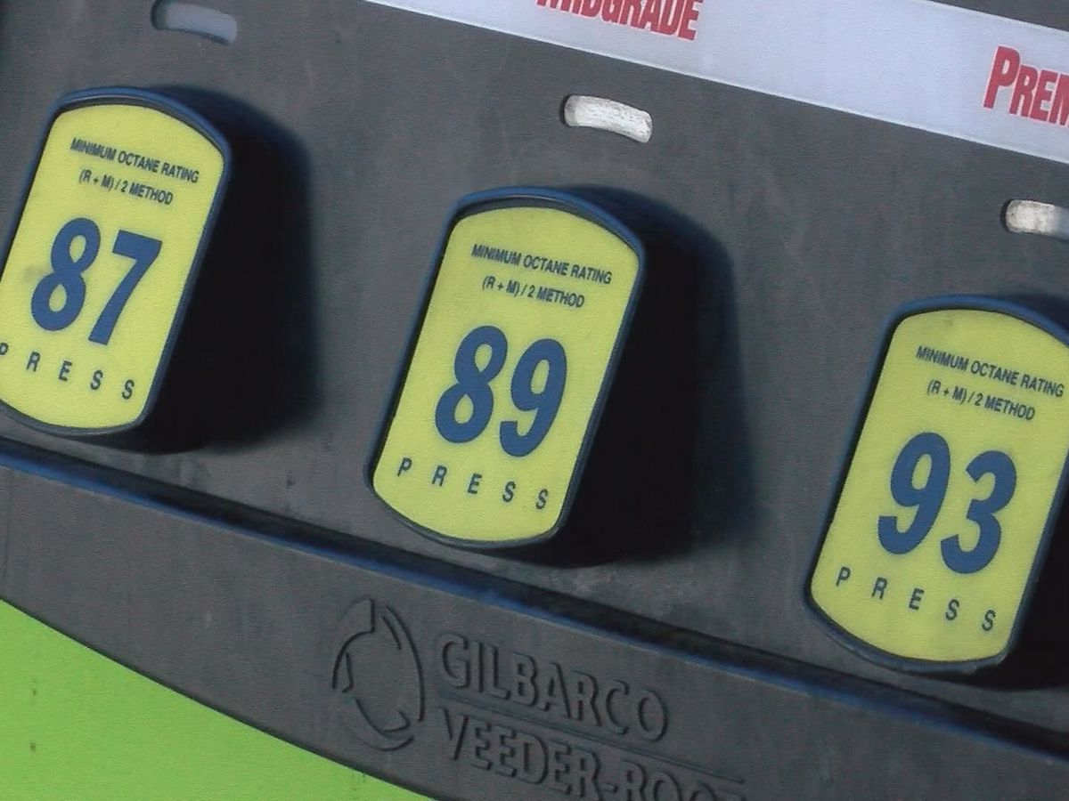 Gas prices drop across Texas ahead of Memorial Day weekend