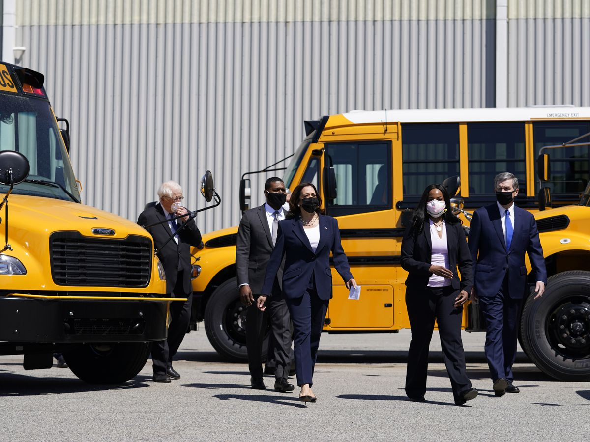 Democrats push $25B to electrify school buses, a Biden priority