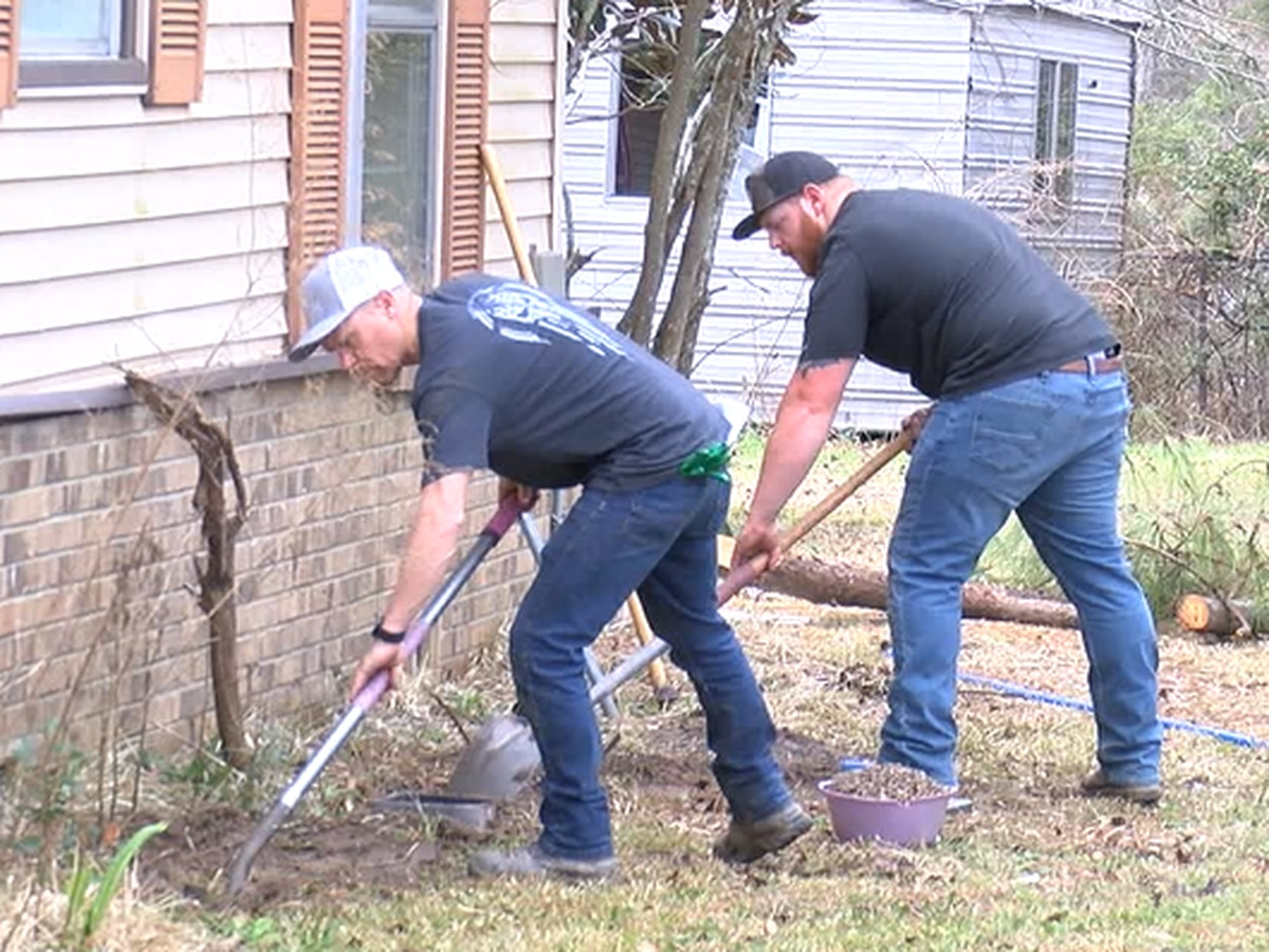 Utah plumbing crew helps Angelina County homeowners with winter weather repairs