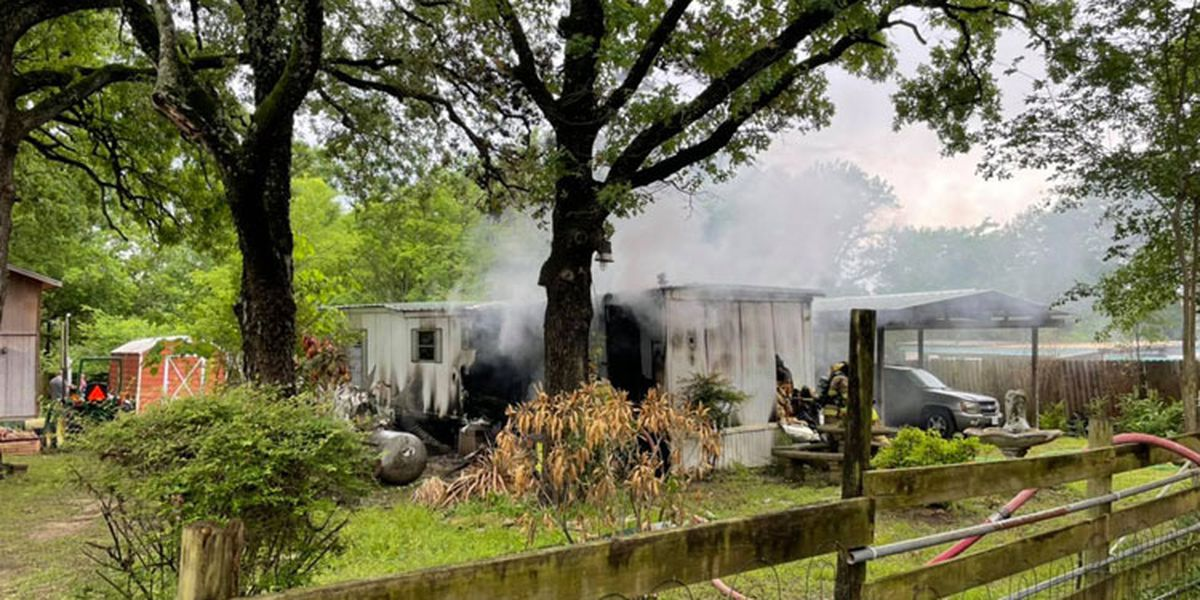 3 Henderson County fire departments battle Gun Barrel City house fire