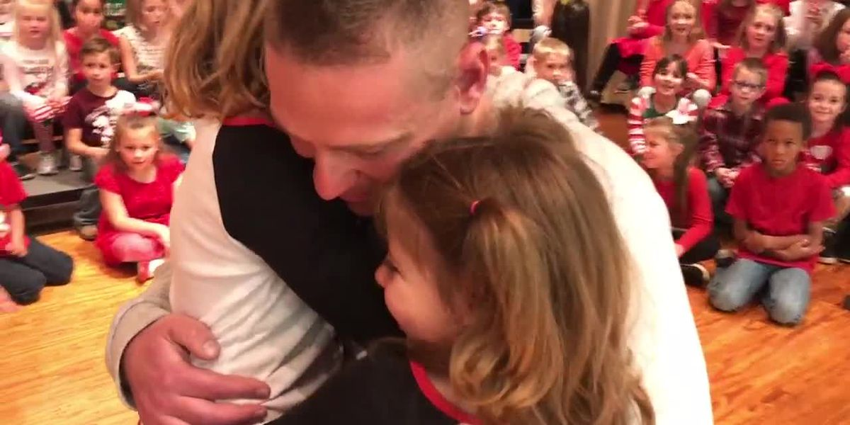 WebXtra: Soldier provides daughters with homecoming surprise