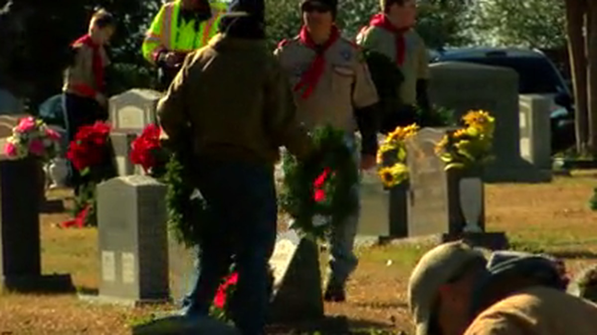 Longview holds Wreathes across America ceremony