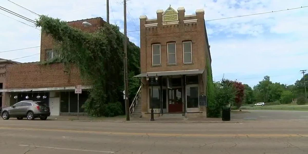 Mark in Texas History: Henderson County Historical Society once housed Athens City Hall