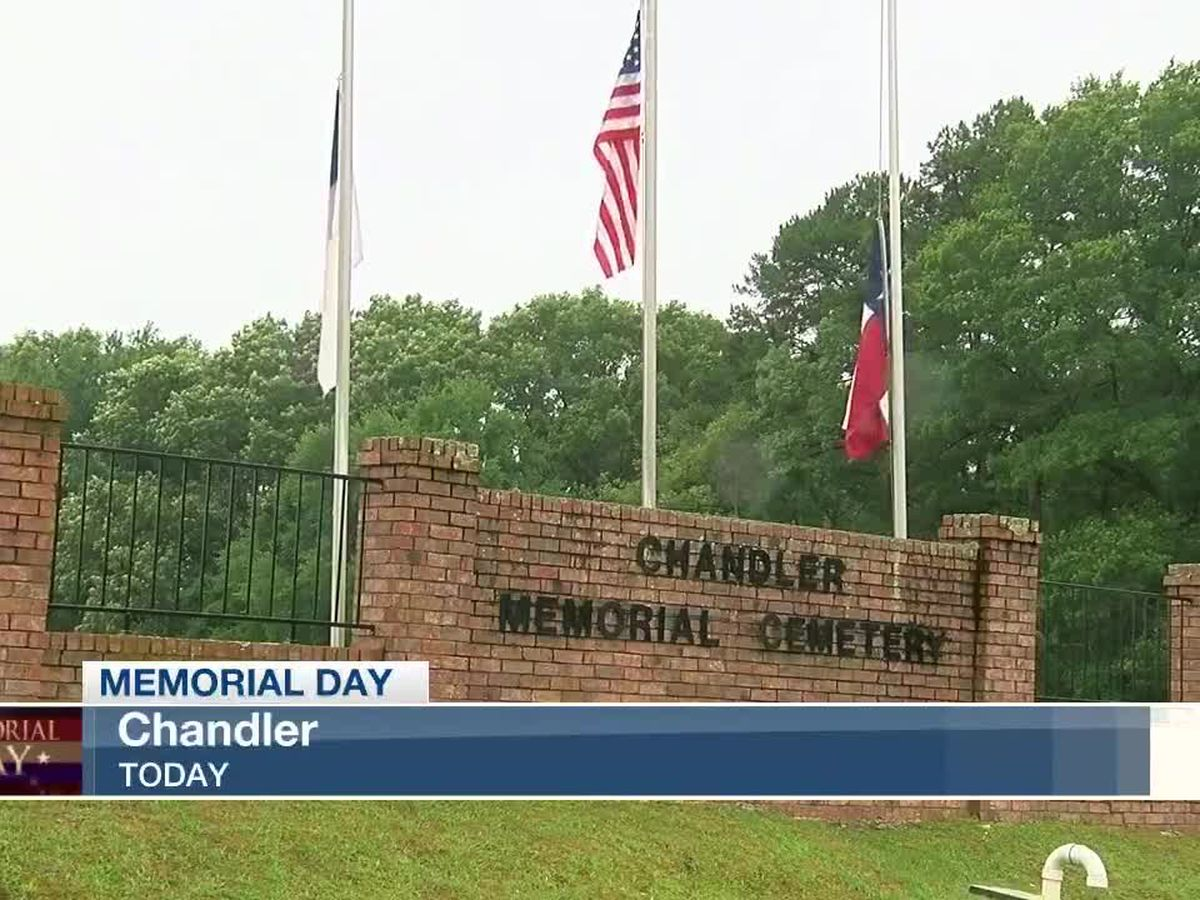 People venture out for Chandler Memorial Day ceremony