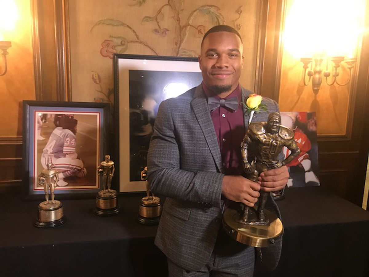 Ohio State's J.K. Dobbins wins Earl Campbell Tyler Rose Award