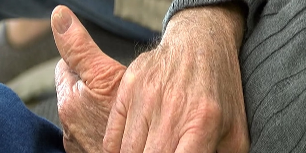 Meals on Wheels in need of 2,700 more gifts for seniors this Christmas