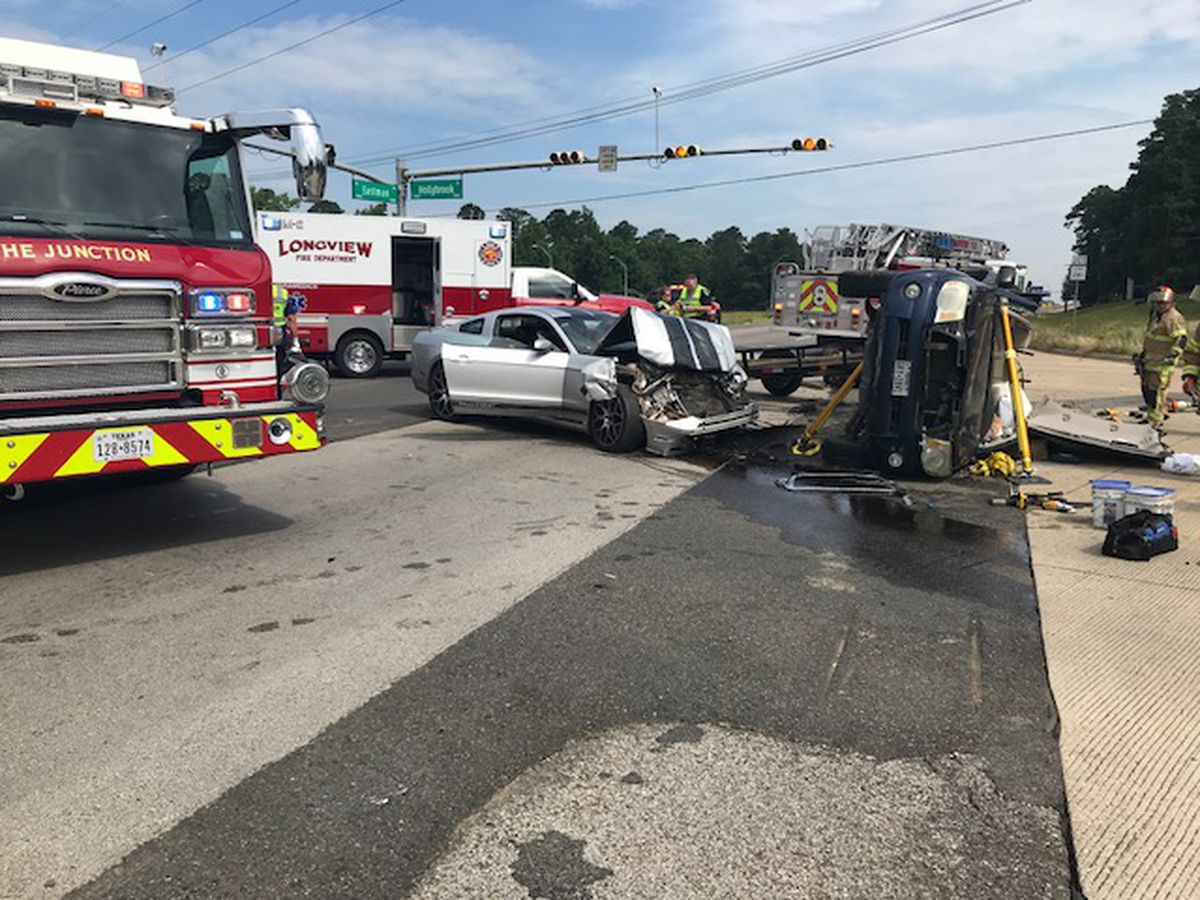 Wreck with injuries at Eastman and Hollybrook in Longview has been cleared
