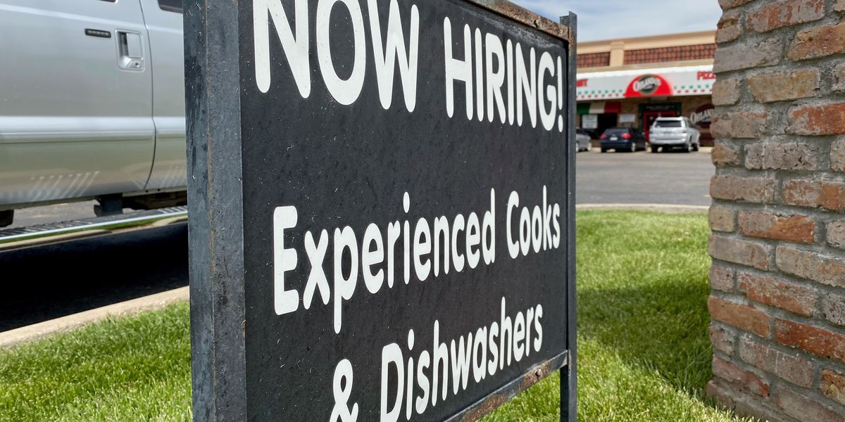 Lubbock restaurants open to full capacity now face staffing shortages