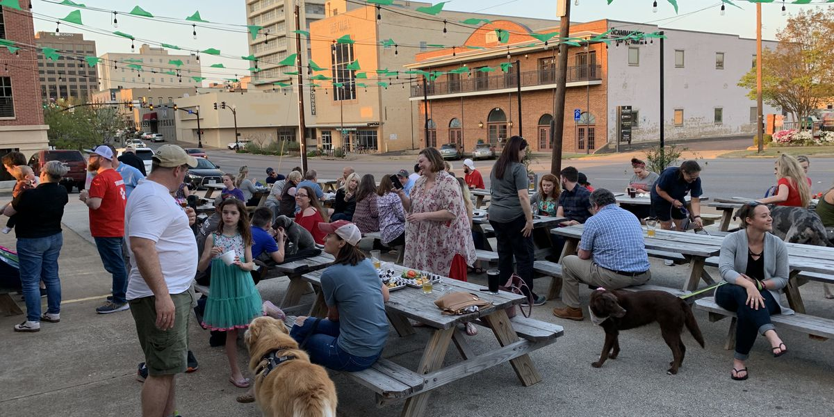 New law gives restaurants the choice to allow dogs on their patio
