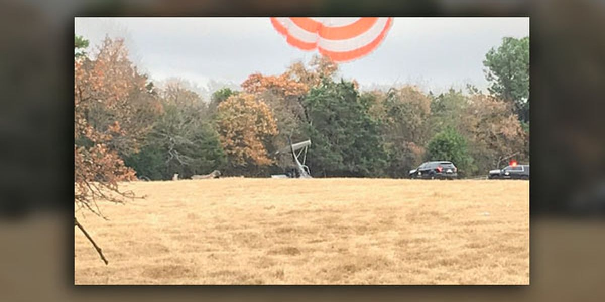 FAA report: Plane clipped into house before emergency landing; sheriff's office reports 2 injured