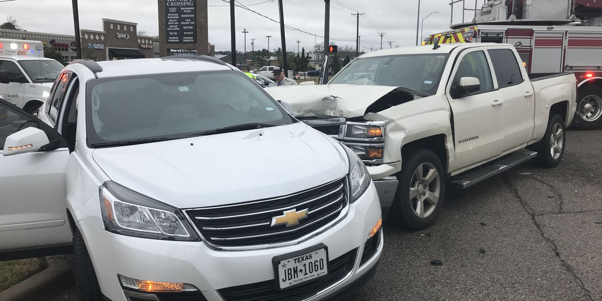 Eastbound traffic diverted on Loop 323 before Kinsey Dr as Tyler crews respond to wreck