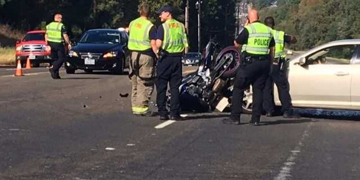 At least 2 injured after wreck involving motorcycle in Tyler