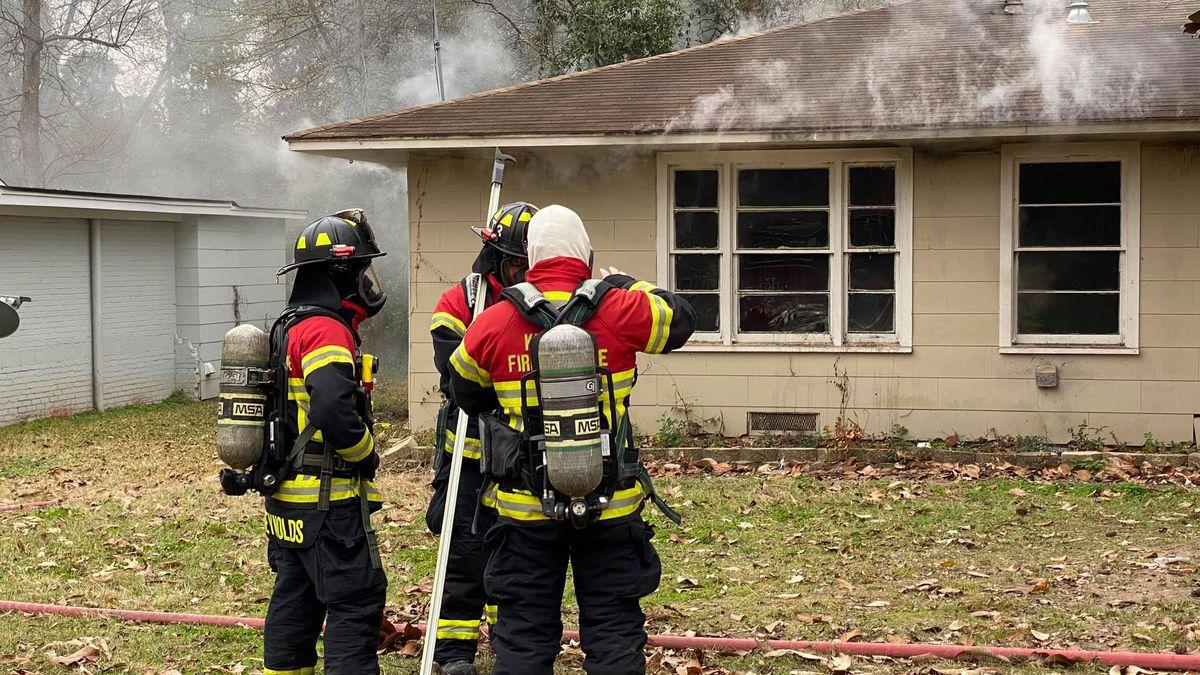 Kilgore crews on scene of house fire