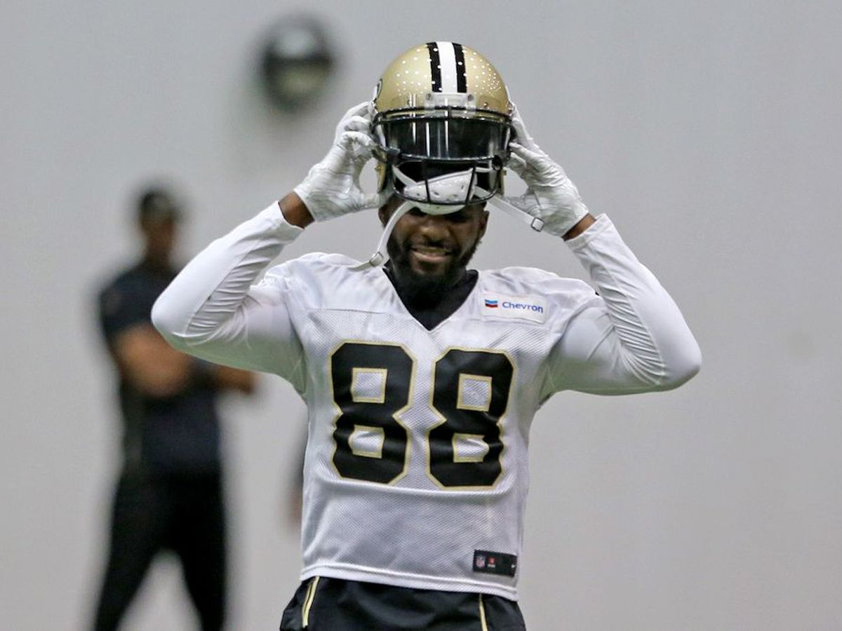 After season ends early, Saints honor Dez Bryant