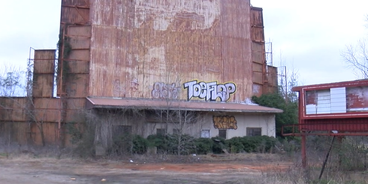 New owners, old business: Redland's drive-in theatre returning to Lufkin