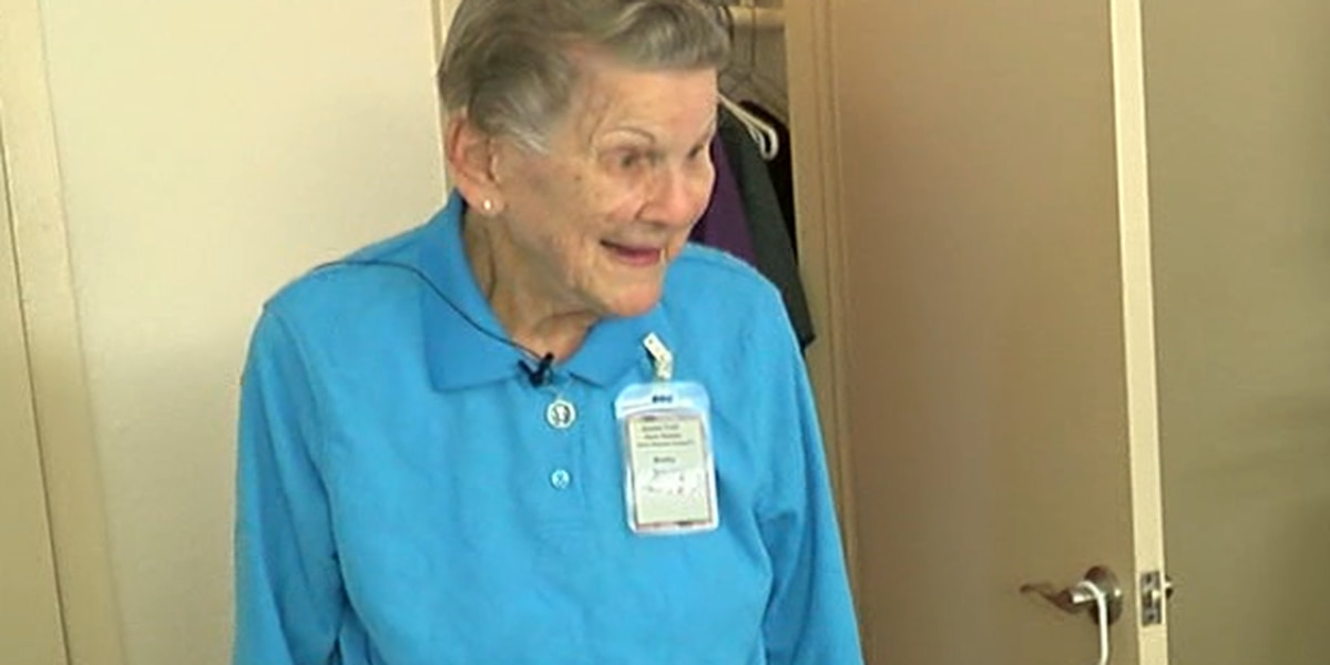 95-year-old volunteer continues to give back
