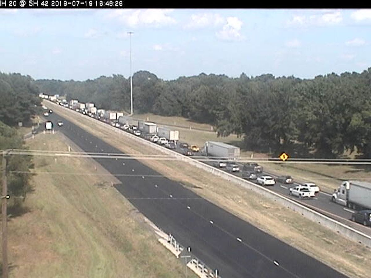 Kilgore police: Traffic is backed up because of multi-vehicle wreck on I-20 East
