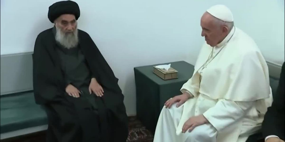Pope, top Iraq Shiite cleric hold historic, symbolic meeting