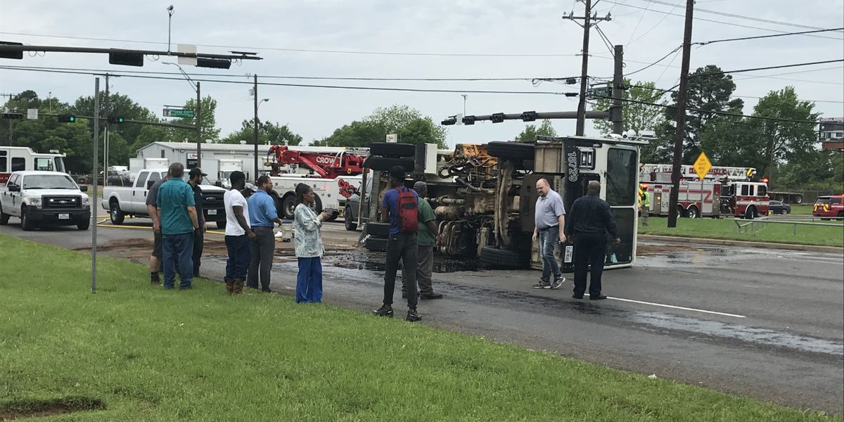 TRAFFIC ALERT: Crews on scene of crash involving garbage truck on East Erwin at South Southeast Loop 323