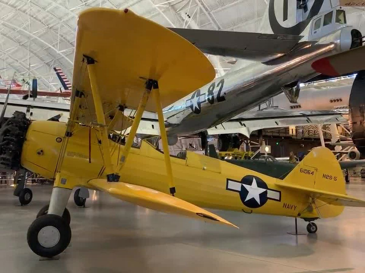 WEBXTRA: Veterans tour the Udvar-Hazy Air and Space Museum